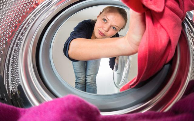 Samopostrežni pralni stroj